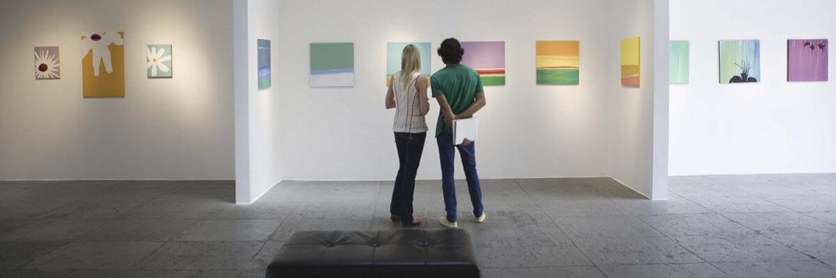 Couple in a Musuem